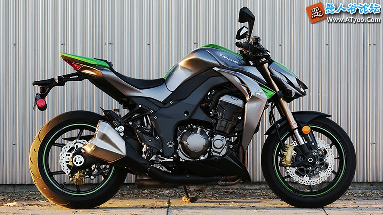 2014-Kawasaki-Z1000-ABS-Review_07.jpg
